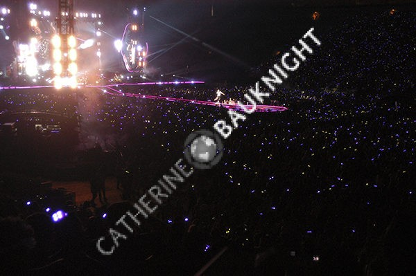 Coldplay concert.  Chris Martin sings to full house at Rosebowl.  8/20/16.