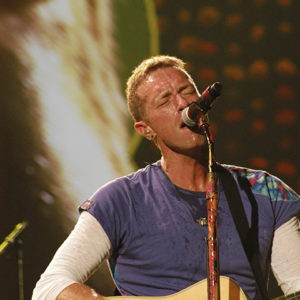 Chris Martin lead singer of Coldplay opens full house concert at Rosebowl Padadena, CA.
