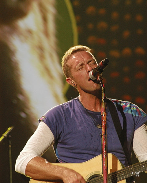 Chris Martin lead singer of Coldplay opens full house concert at Rosebowl Padadena, CA.